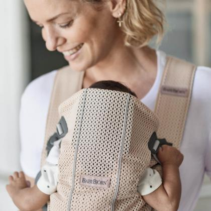 BabyBjörn® Ergonomska nosilka Mini Mesh 3D Pearly Pink