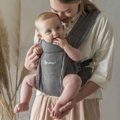 Ergobaby® Mehka nosilka za novorojenčka Embrace Grey