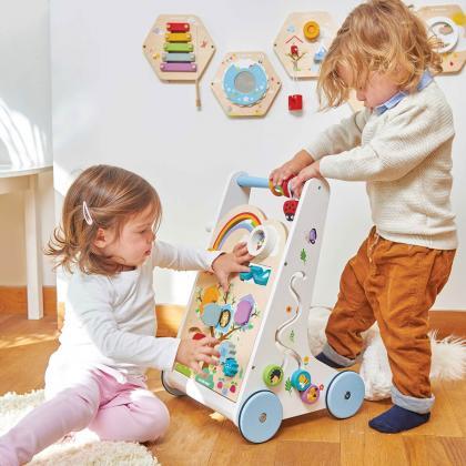 Le Toy Van® Aktivnostni leseni voziček