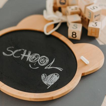 Liewood® Lesena tabla za risanje s kredo Dustin Mr.Bear