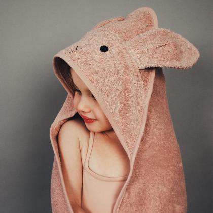 Liewood® Otroška kopalna brisačka Augusta Rabbit Rose