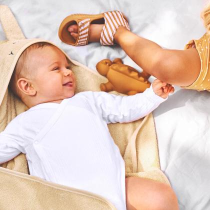 Liewood® Otroška kopalna brisačka Augusta Rabbit Smoothie Yellow