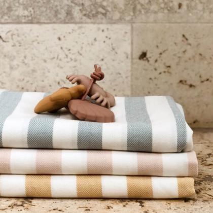 Liewood® Otroška kopalna brisačka Mona Stripe Sea Blue/Creme