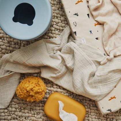 Liewood® Posodica za vlažilne robčke Emi Mustard