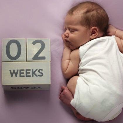Pearhead® Lesene kocke Baby age Grey