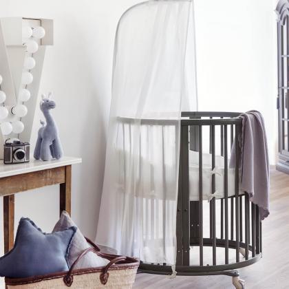 Stokke® Otroška posteljica Sleepi™ Mini z vzmetnico Hazy Grey