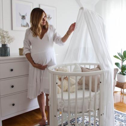 Stokke® Otroška posteljica Sleepi™ Mini z vzmetnico White